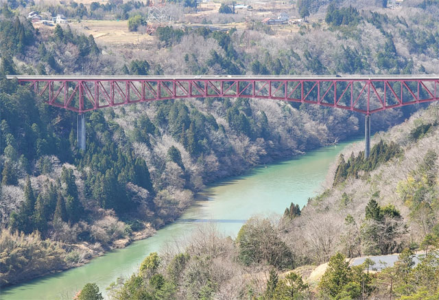 苗木城址から見る城山大橋