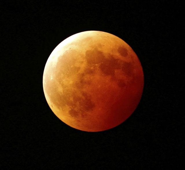 皆既月食(満月)