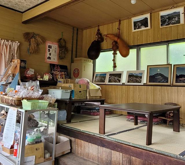 昭和感満載の門前茶屋