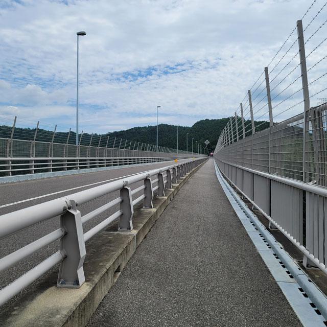 長さ462メートルの新旅足橋